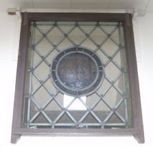 Medallion Window Front